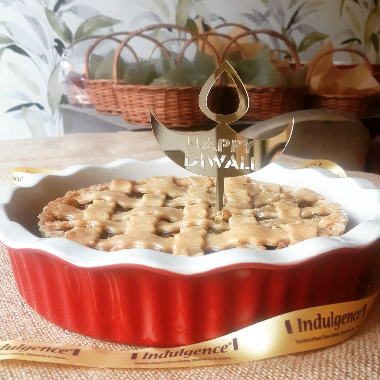 INDULGENCE CURATED FESTIVE GIFTING- Apple Pie in Red Bowl