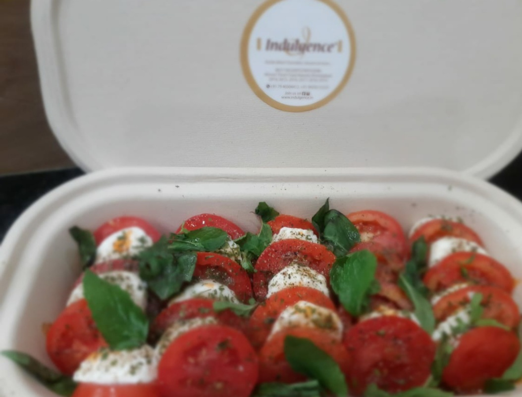 Caprese Salad (Tomato Mozrella Salad )