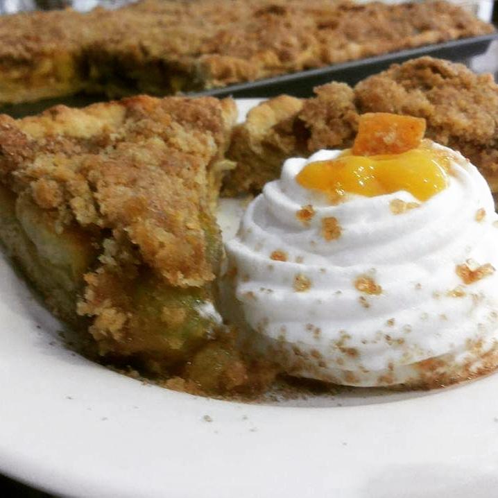 Mango crumble Pie @INDULGENCE
