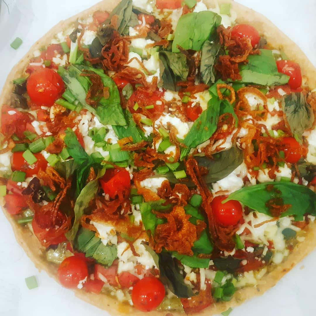 Savoury Pie 10`` - Mix Cheese Basil Tomato