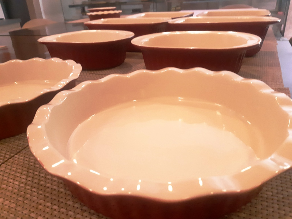 Oven to the Table Elegant Red Baking Bowls