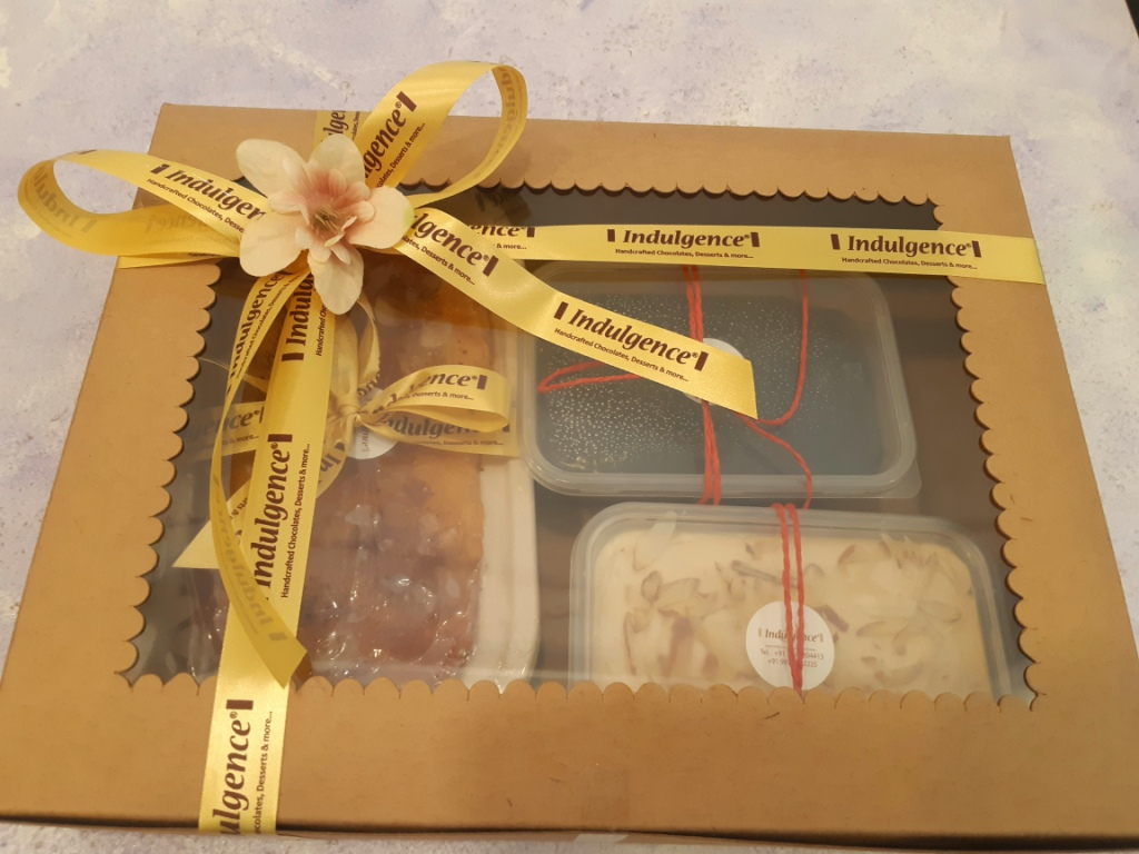INDULGENCE CURATED FESTIVE HAMPERS- Cake and Pudding Box